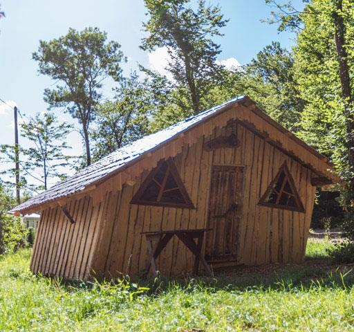 Atypical Wooden Hut of Hansel: rental of atypical accommodations in Alsace