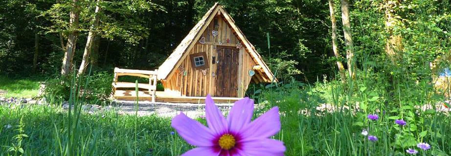 Atypical accommodations of the Campsite Les Castors in Alsace: rental of atypical wooden huts