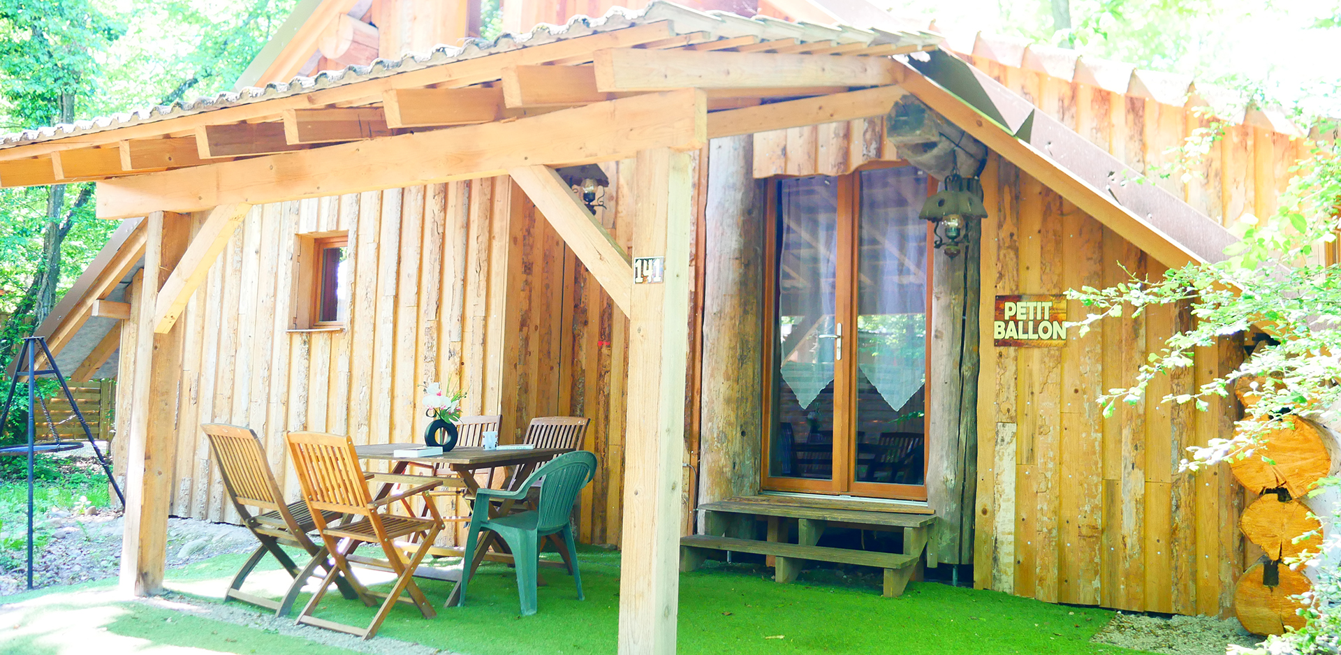 Wooden logs chalet up for holidays rental in Alsace