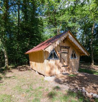 Rental of the unusual wooden hut Gretel in Alsace at the Campsite Les Castors