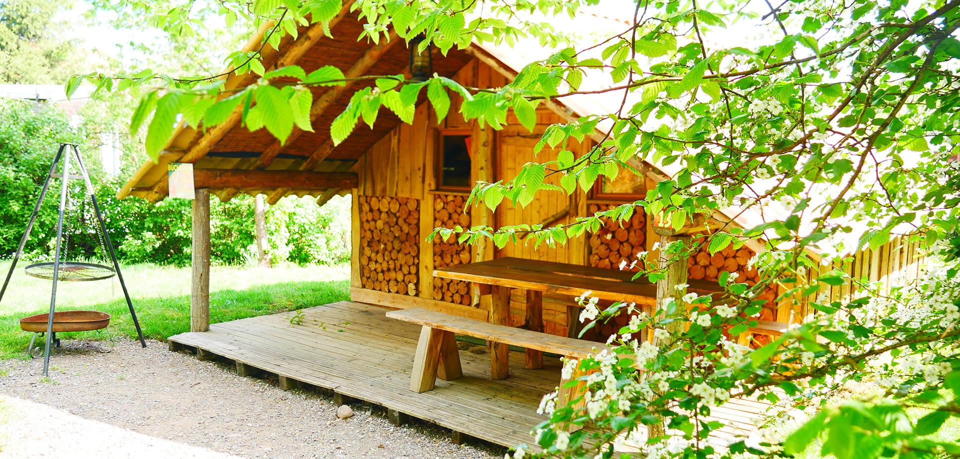 h bergement insolite cabane en alsace camping les castors. Black Bedroom Furniture Sets. Home Design Ideas